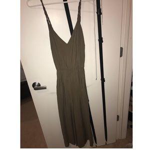 Zara cropped green/khaki jumpsuit size L. NWT